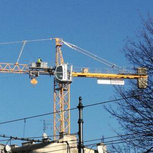 maszyna budowlana żuraw wieżowy